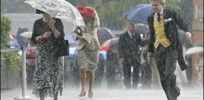 ¿Te mojas menos si corres bajo la lluvia?